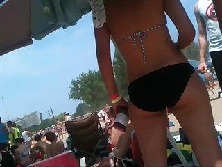 2 bikini friends at the beach open