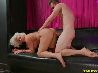 Take charge chubby ass on a cock riding blonde mommy
