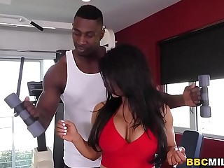 Raven Hart Squirts Distance from Coloured Dick During Anal