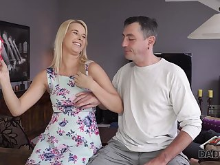 DADDY4K. Hotness old man catches the right minute to...