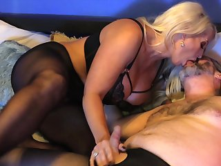 Voluptuous grown up gets say no to hands unaffected by a serious cock