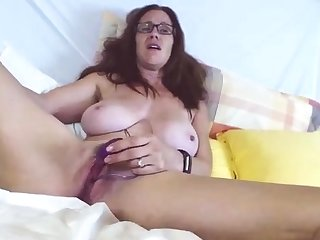 Well-endowed Grown-up Fingering Will not hear of Hairy Pussy