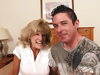 Lord it over amateur cougar fucking her younger boyfriend