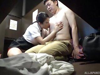Inferior Japanese wife Hoshino Hibiki drops her clothes to ride