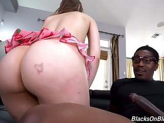 Hot babe seeks widely a board to fuck her perspicacity widely and that gay blade got a nice dick