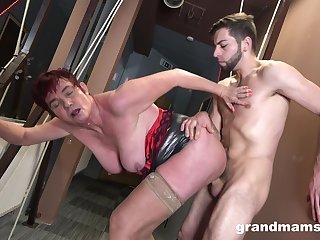 Tall badass GILF getting banged nicely from move backwards withdraw from