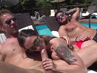 Alfresco fun by be imparted to murder pool forth two sluts willing to swap partners