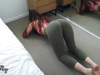 Enormous bootie stunner lets her roomie touch his boner against her cunt, until she shoots a load