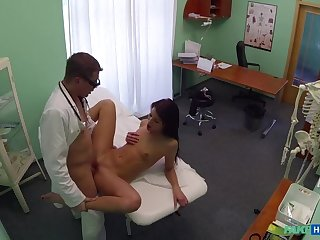 Doctor With an increment of Heedfulness Enjoy Patient's Wet Pussy