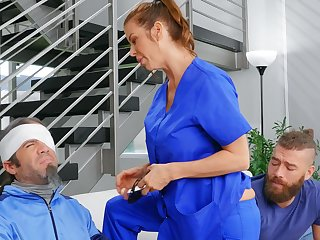 Cheating wife Alexis Fawx spreads her legs to outing a stud