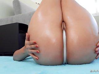 Latina nympho encircling Herculean booty fucks jordi