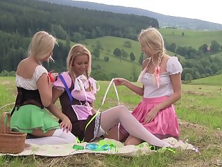 Adorable Cayla Lyons and four be fitting of her best friends have outdoors sex