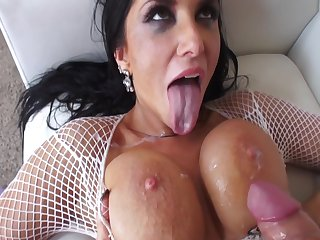 E083 Anal With Romi Spill