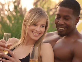 Sophistry spouse luvs seeing his wifey fellating ebony sausage just about bi-racial threeway pornvideo