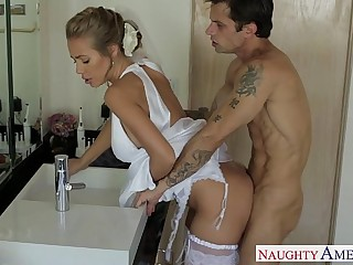 Sexy flaxen-haired bride Nicole Aniston shafting