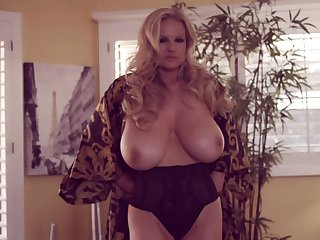 Orgasm craving blonde Kelly Madison is just about need of a solo session