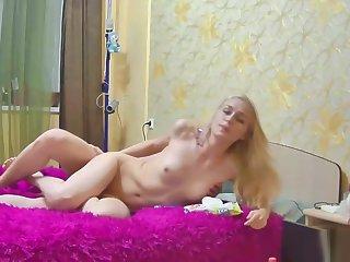 Lusty blonde chick rode a Hawkshaw